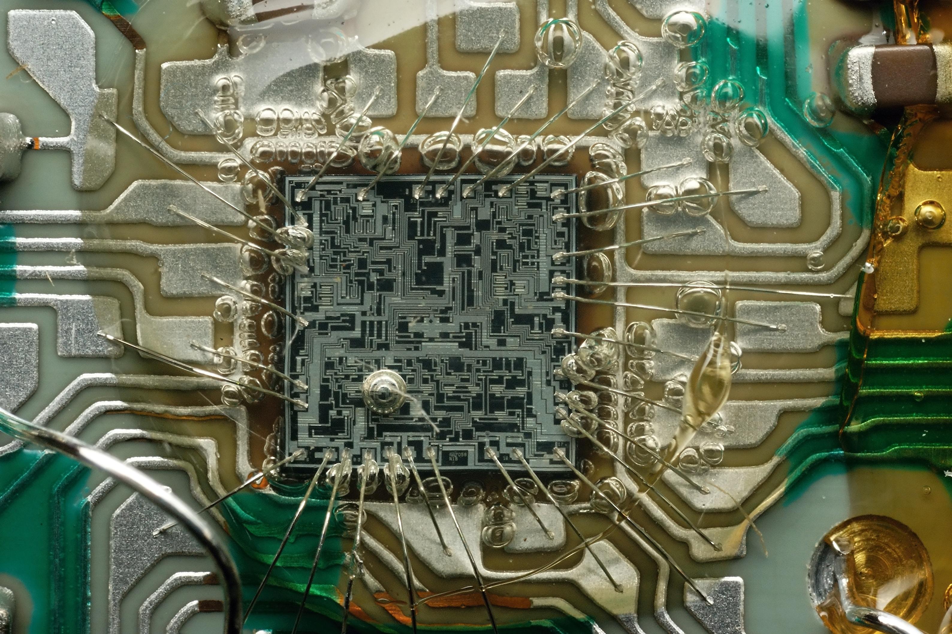 топологическая схема транзистора